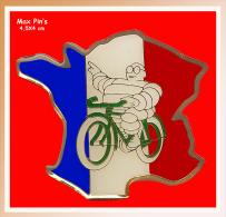 SUPER MAX-PIN'S Cyclisme-Michelin : BIBENDUM Fait Son Tour De France Sur Vélo VERT - Cyclisme