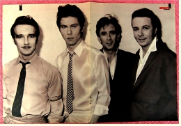 Kleines Poster  -  Gruppe Ultrafox  -  Rückseite : Farrah Fawcett  -  Von Bravo Ca. 1982 - Plakate & Poster