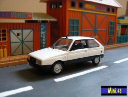 Voiture :  Citroën Axel - 1985 - 1/43 - UNIVERSAL HOBBIES - Avec Boite - Unclassified