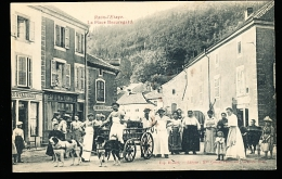 88 RAON L'ETAPE / La Place Beauregard / ATTELAGE DE CHIENS  TOP BELLE CARTE - Raon L'Etape