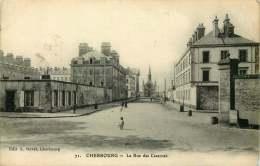 CHERBOURG  La Rue Des Casernes - Cherbourg
