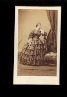Photographie CDV : X2 Femme En Robe Dress Victorine VACHON ( Pas D'indication De Photographe Au Dos) - Foto