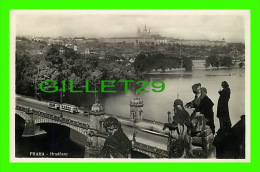 PRAGUE, TCHÉQUIE - HRADCANY - CIRCULÉE EN 1934 - - Tchéquie