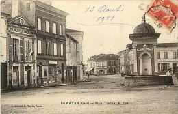 Gers -ref 88- Samatan - Place Thiers Et La Poste -carte Bon Etat  - - Andere Gemeenten