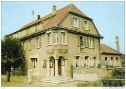 """CPSM  -   CERNAY  (68)    AMITIES  ET  SOUVENIR  DE  L´ HOTEL - RESTAURANT  """" BELLE - VUE """"  Robert RIETSCH  . - Cernay"""