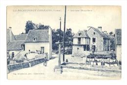 Cp, 86, La Roche Posay-les-Bains, Ancienne Hostellerie - La Roche Posay