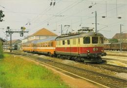 """PONTARLIER (25)  Locomotive Suisse Re 4/4-1 En Livrée TEE """"LUTETIA"""" PARIS-BERNE Détails 2ème Scan - Eisenbahnen"""