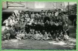 14 ARROMANCHES  - Photo Au Format Carte-postale -1er Pose Du Groupe Des Colons - Arromanches