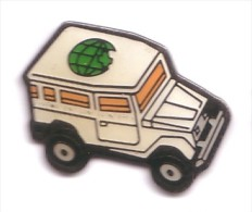V83 Pin's Vehicule 4x4 TOYOTA LAND CRUISER Logo Pharmacie Monde Sur Toit  Achat Immediat - Toyota