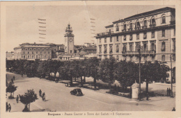 Bergamo -Piazza Cavour E Torre Dei Caduti - Viagg. Format. Picc. Piega Al Centro - Bergamo