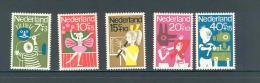 Nederland 1964 Pour L´enfant Child Welfare  NVPH 830/34 Yvert 804/8  MNH ** - Neufs