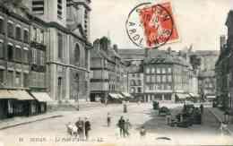 14   SEDAN - La Place D´Armes (date 1911) - Sedan