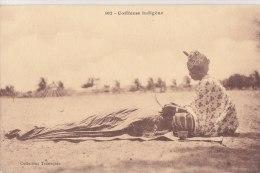 ¤¤  -  102   -  Coiffeuse Indigène  -  Coiffure  -  ¤¤ - Postcards