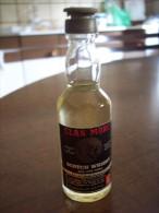 Clan More Scotch Whisky Old And Rare: Bottiglia Mignon Tappo Plastica. Distilled In Scotland (Rossi -Asiago) - Alcoolici