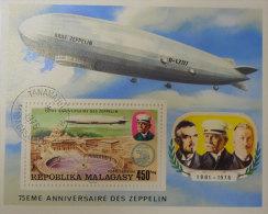 1901-1976  Graf Zeppelin D-Lz127 75 Eme Anniversaire Du Zeppelin Republika Malagasy Bon état Oblitétée  Voir Scan Dos - Allemagne