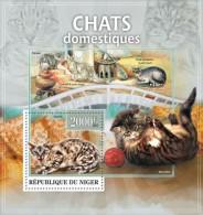 nig13319b Niger 2013 Domestic cats s/s Scott:1204