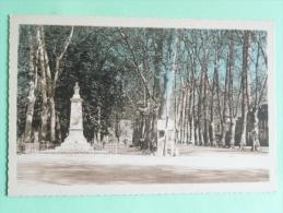 SAINT PONS - Foirail Et Monument Aux Morts - Saint-Pons-de-Thomières
