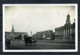 CAMBRAI . La Place De L'hotel De Ville . Attelage Caléche  . Voir Recto Verso   (S124) - Cambrai