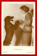BRIGITTE HELM DOG DACHSHUND # 4876/2 VINTAGE PHOTO PC. W325 - Schauspieler