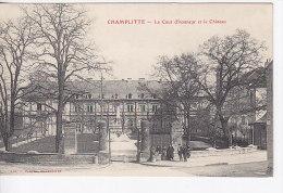 CHAMPLITTE ... LA COUR D HONNEUR ET LE CHATEAU - Francia