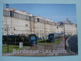 26595 POSTCARD: FRANCE: BORDEAUX (Gironde) Le Tramway Sur Les Quais.  No.33129. - Tram