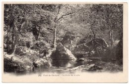 CP, 29, HUELGOAT, Forêt Du Huelgoat - La Sortie Du Gouffre, Dos Simple, Vierge - Huelgoat