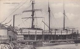 ST-PIERRE Et MIQUELON/St-Pierre Navire Sur Le Patent Slip / Réf:c1362 - Saint-Pierre-et-Miquelon