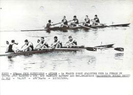 J.O. Tokyo 1964 - Aviron, La France Qualifiée Pour La Finale Du Quatre Barreur, Photo AFP - Sports