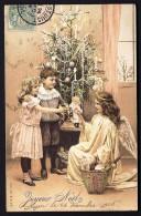CPA ANCIENNE- FRANCE-  JOYEUX NOËL- ANGE DISTRIBUANT DES JOUETS A 2 ENFANTS DEVANT UN SAPIN DÉCORÉ- POUPÉE- PELUCHE- - Weihnachten