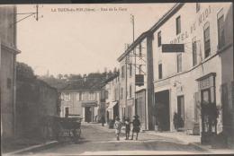38-LA TOUR DU PIN  -  Rue De La Gare    ( Hotel Du Midi )   Ed  Delange   - CPA - France