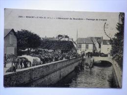 235 Nogent Le Roi (E.et L.) L Abreuvoir Du Roulebois Passage De Troupes - Militaria