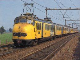 """NS,  ELEKTRISCHE TREINSTELLEN  3de Hondekop"""" Naar Nijkerk In September 1982 - Trains"""