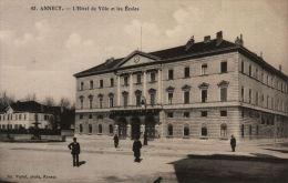 Annecy. L'hôtel De Ville Et Les écoles - Annecy