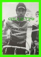 CYCLISME - RÉGIS CLÈRE AU DÉPART DE FOURMIES (59) 1986 - PHOTO, PIERRE LORRIAUX - - Cyclisme