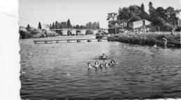 Cpsm Pf 86 Leugny La Haye-Descartes La Plage Groupe D´enfants Au Bains - France