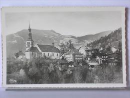 (74) - ST GERVAIS LES BAINS - LE VILLAGE ET LA POINTE DE PLATEE - Saint-Gervais-les-Bains