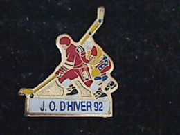 1 PIN´S JEUX OLYMPIQUES ALBERTVILLE 1992 JO D´HIVERS 92 HOCKEY - Olympische Spiele