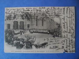 65-LOURDES Procession Du St Sacrement , Très Animée , Circulée En 1902 , Dos Non Divisé , 2 Scans - Lourdes