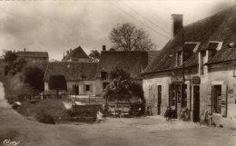 18 Bannay. Le Bas Village - France