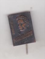 USSR  Old Pin Badge - Poet - Vladimir Vladimirovici Maiakovski - Personnes Célèbres