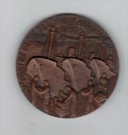 Belle Medaille: Port De Peche De Lorient Keroman, 1950, Graveur Coutre, Bateau (13-2462) - Profesionales / De Sociedad