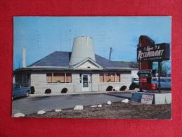 Coffee Pot Restaurant  Serving Col Sanders Kentucky Fried Chicken- 12 Miles West Of Richmond In-- 1962  Ref  1038 - Stati Uniti