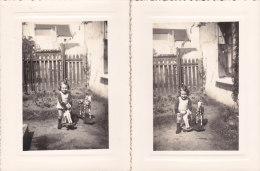¤¤  -  Lot De 2 Clichés D´une Petite Fille Et De Ses Chevaux De Bois  -  Jeux , Jouets  - Voir Description   -  ¤¤ - Jeux Et Jouets