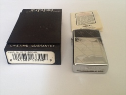 Zippo Slim Diagonal Argenté Avec Boîte Et Notice Code D´identification : E X - Zippo