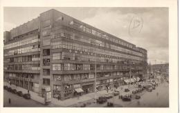 PRAGUE TCHECOSLOVAQUIE 1950 ? VELETRZNI PALAC RUE ANIMEE ED ?? TBE - Postcards
