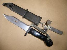 Baïonnette AKM1 Noire Kalachnikov - Armes Blanches