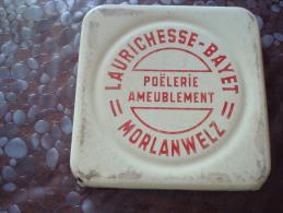 "Sous-plat En émail? ""Laurichesse-Bayet Morlanwelz"" - Advertising (Porcelain) Signs"