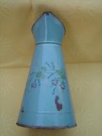 Ancien Broc/pichet En Tôle émaillée, Décor Floral - Popular Art