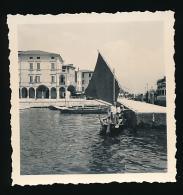 Photo Originale (Août 1955) : LECCO, Le Port, Bateaux, Voiliers, Barques, Lac De Come (Italie) - Lieux
