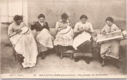 AILLEVILLERS - Un Groupe De Brodeuses - Otros Municipios